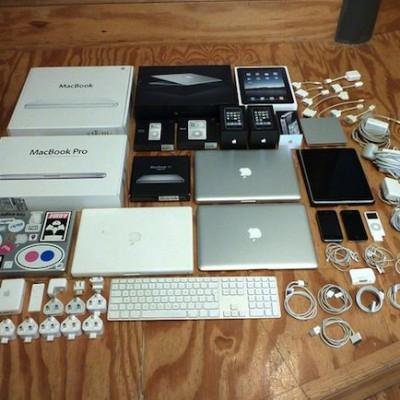macbook iphone apple