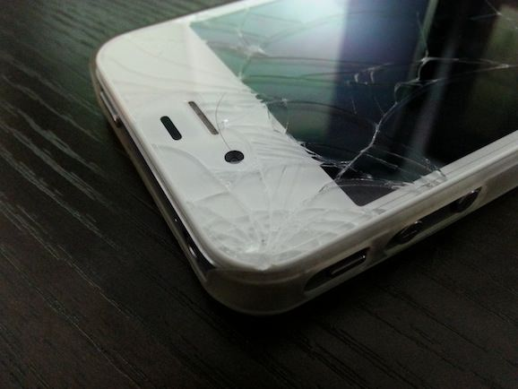 iphone 4s 割れた
