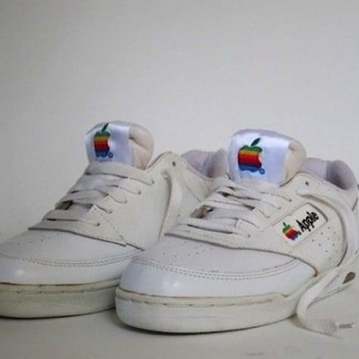 apple_sneakers1.jpg