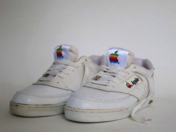 Apple スニーカー