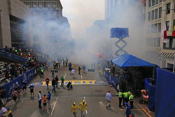 ボストン・マラソン 爆発