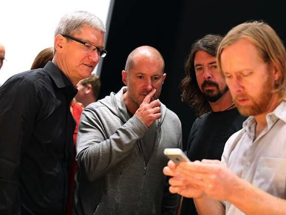 Jony ive tim cook