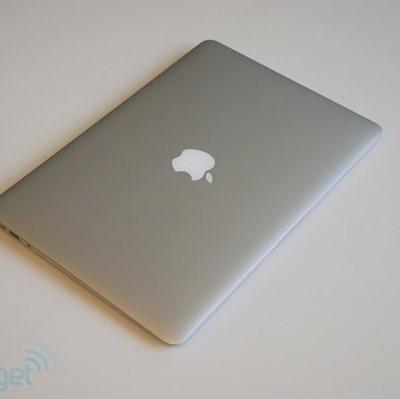 macbookair-mid-2013-engadget1.jpg