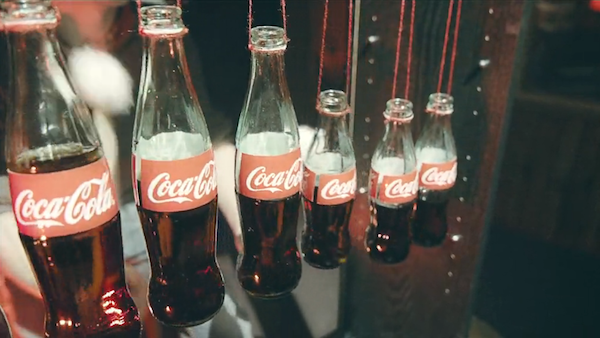 コカ・コーラで奏でる音楽