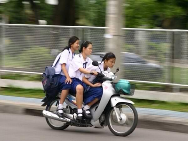 タイの女子高生がカッコ良すぎる件
