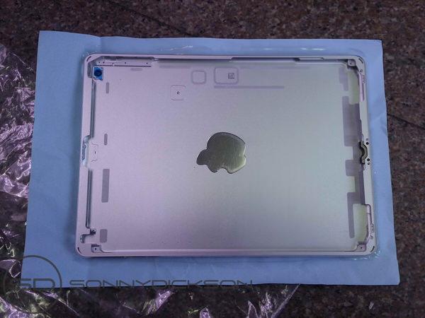 iPad 5のバックパネル