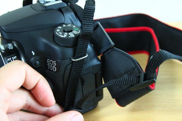 Canon EOS 70D ストラップの取り付け方
