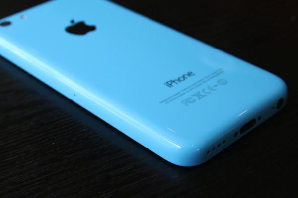iPhone-5c-docomo-blue-model-10.jpg