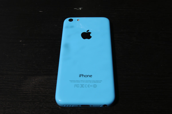iPhone-5c-docomo-blue-model-2.jpg