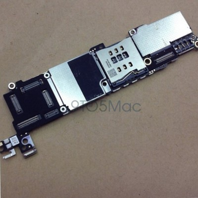 iphone5c-logiboard-1.jpg