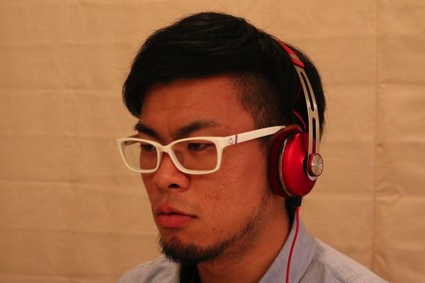 MOMENTUM-On-Ear-Red-11.jpg
