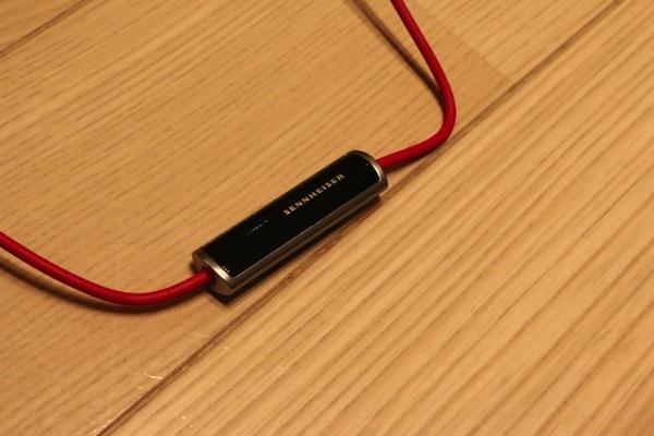 MOMENTUM-On-Ear-Red-20.jpg