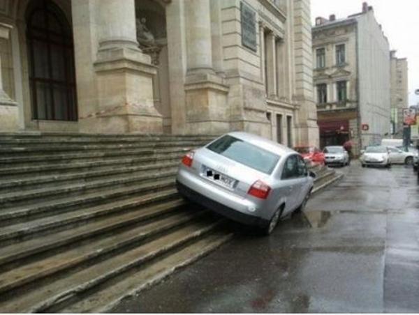 下手すぎる駐車写真まとめ