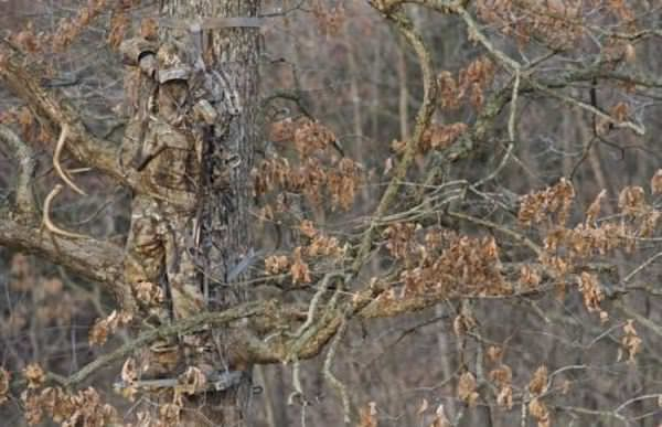 Soldiers camouflaging is amazing
