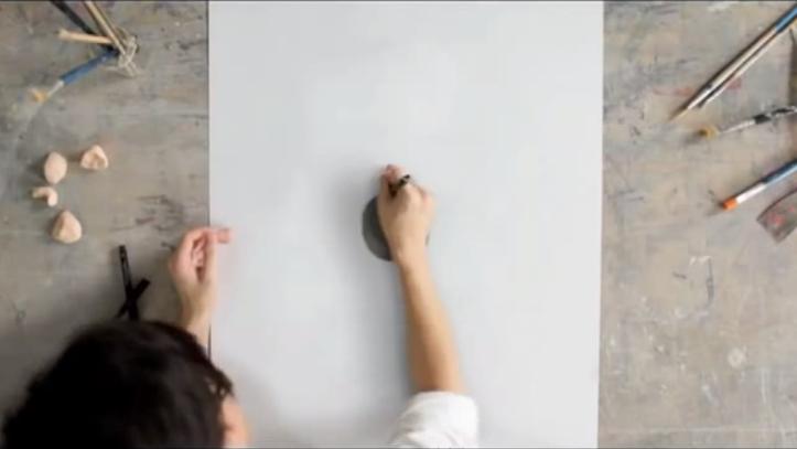 円を書き続ける絵画