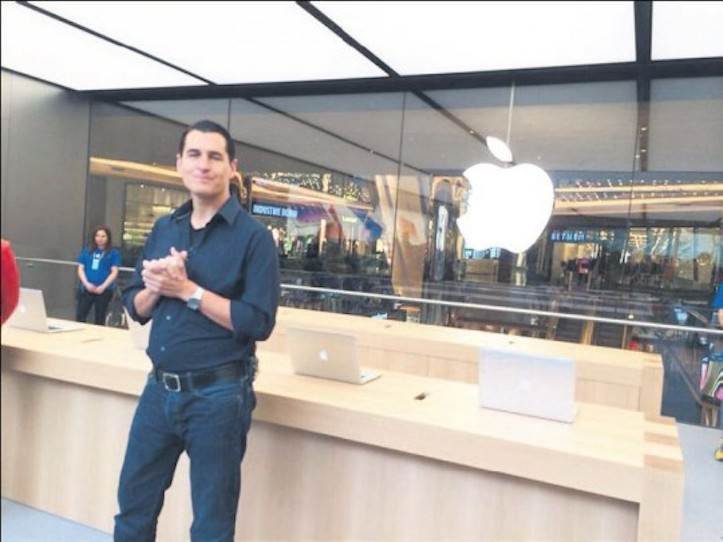 トルコ初の直営店「Apple Store, Zorlu Center」