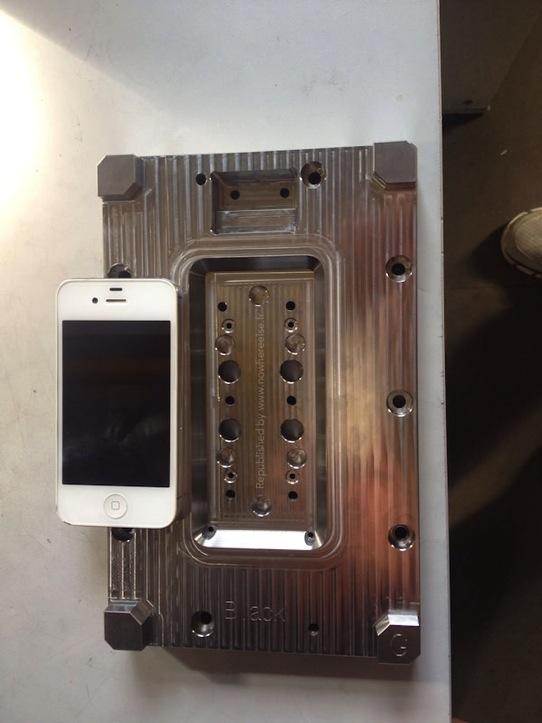 iPhone 6の金型は4.7インチモデル用?