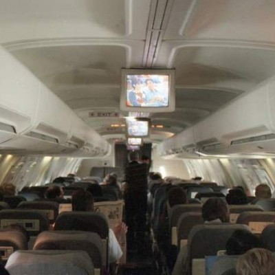 using-smartphone-in-the-plane.jpg