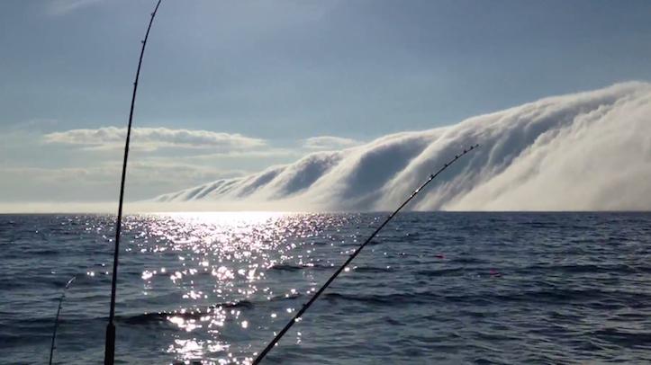 lake-michigan-huge-fog.png