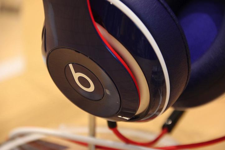 Beats Studio オーバーイヤーヘッドフォン Blue-Red(数量限定)