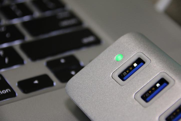 Anker製「USB 3.0」対応4ポートハブ
