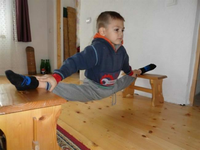 giuliano-stroe-brother-claudiu-have-been-working-out-rigorously-7.jpg