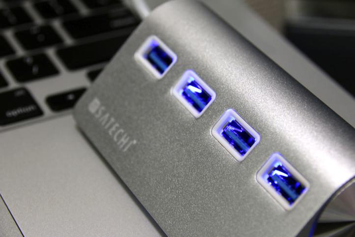 satechi-premium-usb-hub-14.jpg