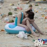 tons-of-trash-on-the-chinese-beach-1.jpg