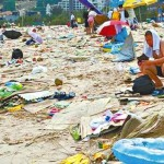 tons-of-trash-on-the-chinese-beach-3.jpg