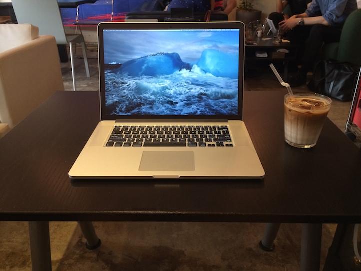 MacBook Pro Retina 15インチはカフェでも使える