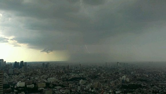 weather-is-unsteady-in-tokyo-2.jpg
