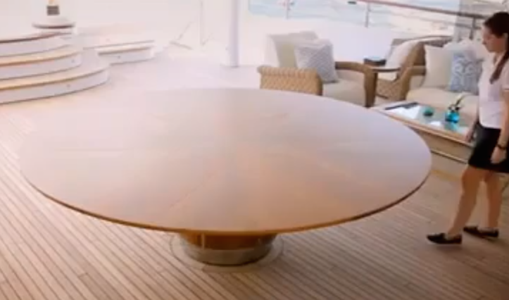 amazing-desk-3.png