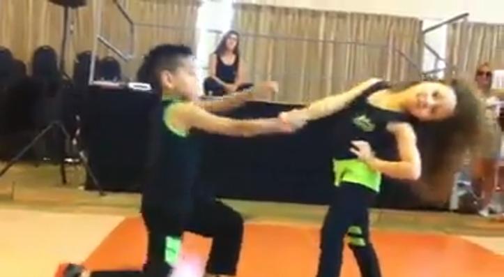 ラテン系ダンサー少年・少女