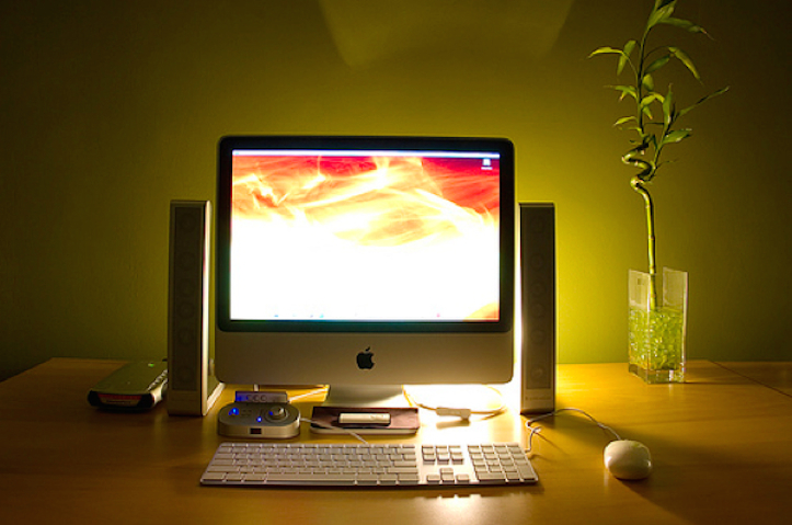 Cool-iMac-Setups-4.jpg