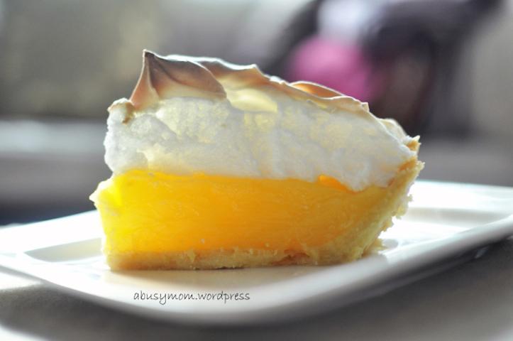 Lemon-Meringue-Pie-3.jpg