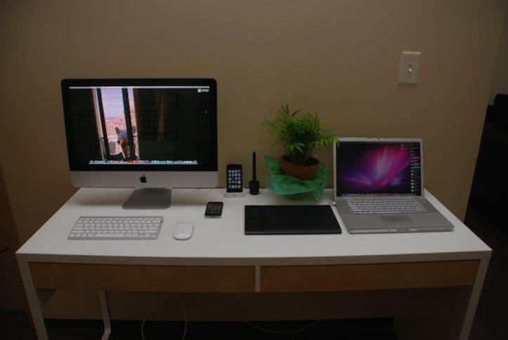 Mac Workstation In White Taste