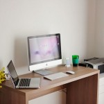 Mac-Workstation-With-Wooden-Desks-9.jpeg