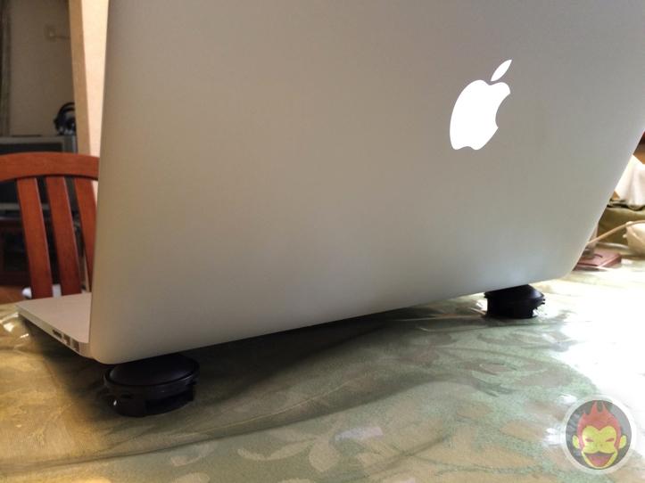 G撃退グッズ「ブラックキャップ」と「Just Mobile Lazy Couch」が似ている件について