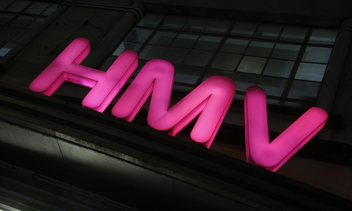 Pentatonix、「HMVルミネ池袋店」をジャック