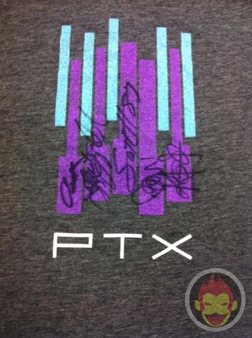 Pentatonixのメンバー全員の直筆サイン入りTシャツを限定1名にプレゼント