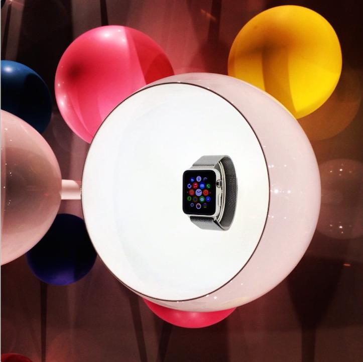 apple-watch-in-paris-2.png