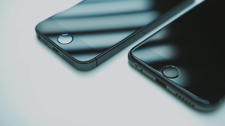 iPhone 6のパーツを組み合わせて作った「iPhone 6」