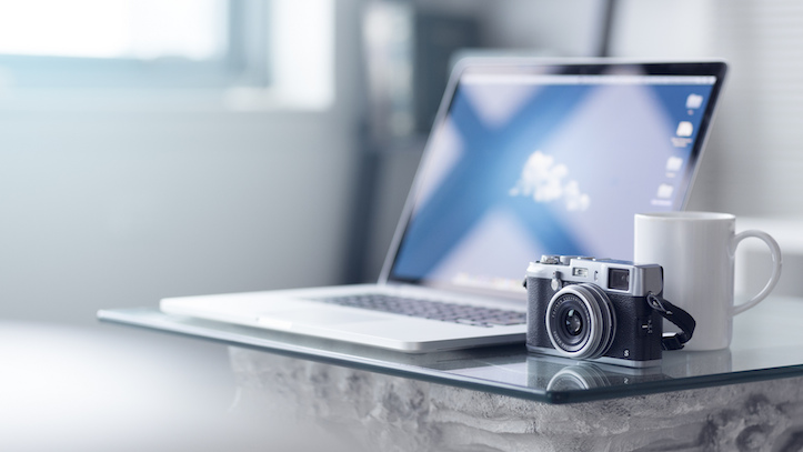 Macbook pro retina and camera