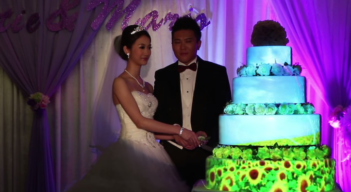 Projection mapping wedding cake
