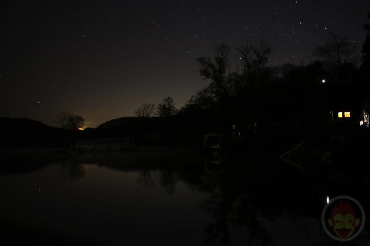 ゲストハウス「LAMP」の前にある野尻湖から見える星空に偉く感動した