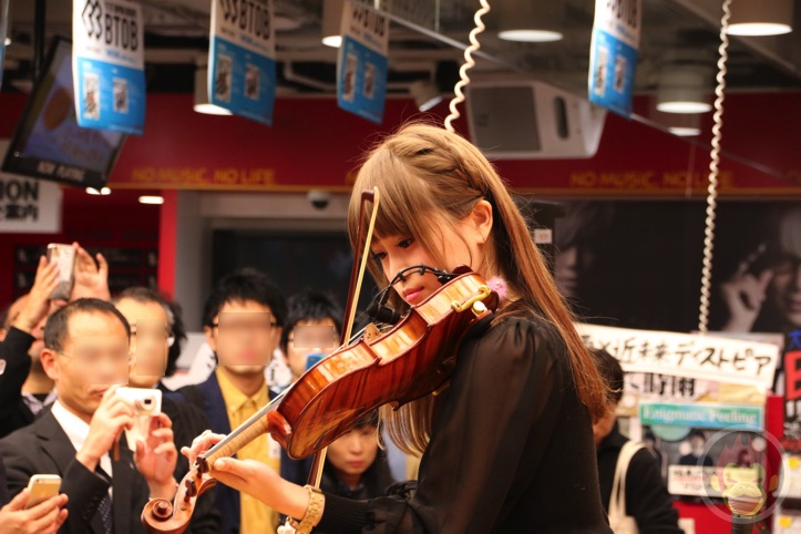 Okabe-Machi-TR-Instore-Live-4.jpg