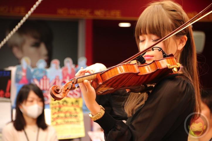 Okabe-Machi-TR-Instore-Live-5.jpg