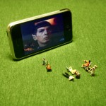 watching-movies-on-iphone.jpg