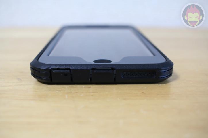 Anker「スクリーンプロテクタ内蔵強力保護ケース」Glaze Case