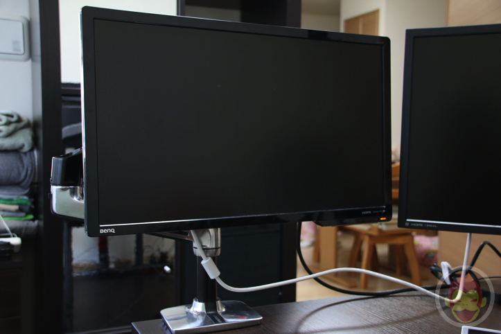 Ergotron-Monitor-Arm-11.jpg